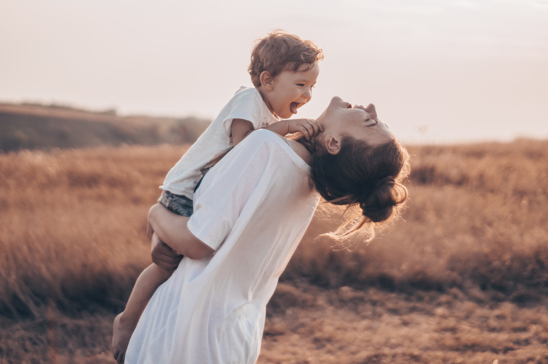 How ordinary everyday moments of mindfulness for moms allow them to be more present and engaged with the people and things that really matter.