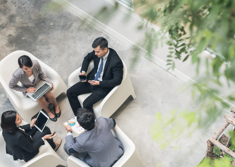 Why You Should Take Your Meetings Outdoors