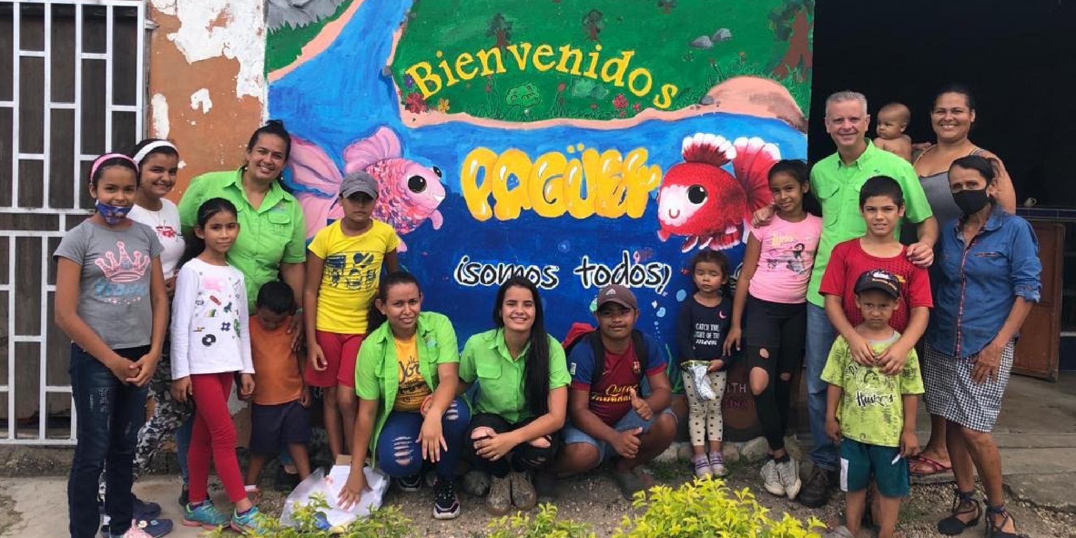 Apoyando la educación y a las niñas desfavorecidas en Venezuela